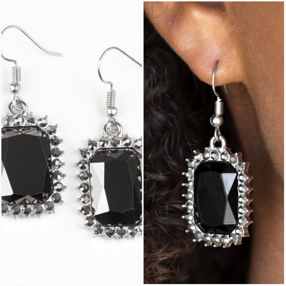 paparazzi Jewelry - DOWNTOWN DAPPER BLACK EARRINGS